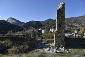 У 2015 році обвалилася частина давньої вежі Генуезької фортеці у Судаку