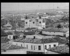 Старовинне татарське місто Карасубазар, розташоване в долині річки Біюк-Карасу