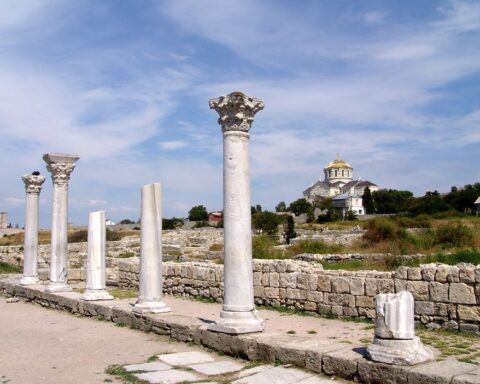"Threats of loss of the world and Ukrainian heritage site ""Chersonesos of Tavria"" as a result of Russian occupation"