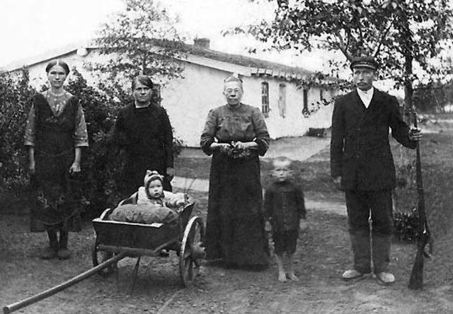 Німці до депортації
