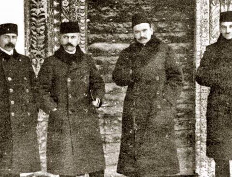 During the First Kurultai, from left to right: Seitjelil Khattatov, Asan-Sabri Aivazov, Noman Celebidjihan, Jafer Seydamet. Bakhchisarai, 1917