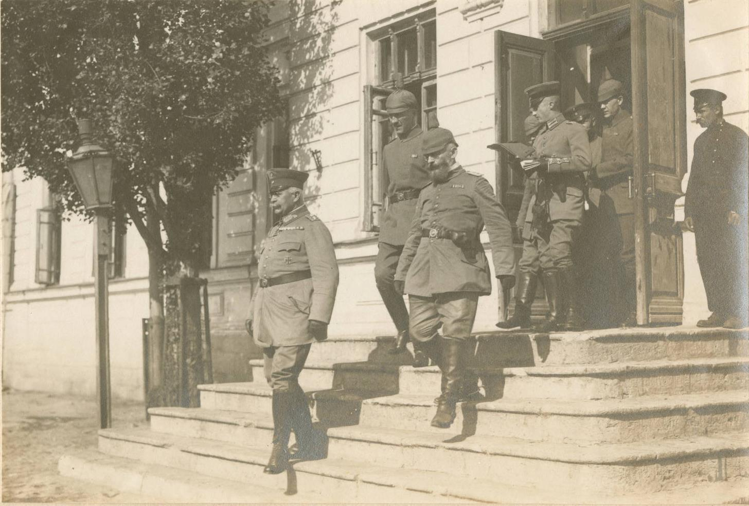 General R. Kosh with officers of his staff.Crimea, 1918