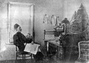 I. Gasprinsky at work in the office. 1910 Photo - from the funds of the Museum of Ismail Gasprinsky