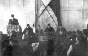 The first solemn meeting of the Kurultay in the hall of the Divan Khan-Saray (Khan's Palace). D. Seidamet, then S. Gasprinska, N. Chelebidzhikhan are sitting near the rostrum