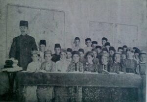 """New-method school in Alupka. 1910 Photo from the brochure """"People's School"""""""