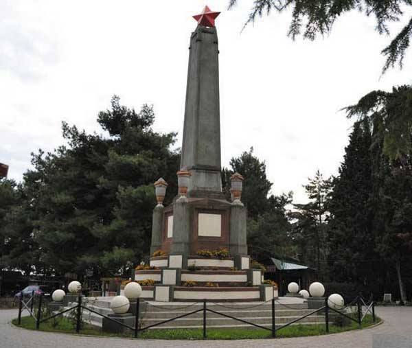 Monument to the first government of the Republic of Tavrida in Alushta on the mass grave of members of the People's Commissar and other figures of the Soviet Socialist Republic of Tavrida, who were shot on April 24, 1918