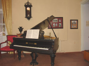 Grand piano in the museum of Lesya Ukrainka. Photo by Crimean photographer Anatoliy Kovalsky.