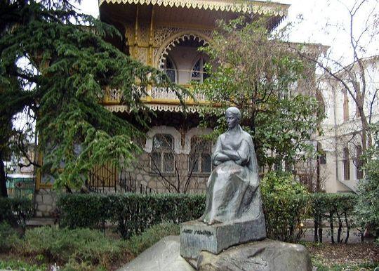 Lesya Ukrainka Museum in Yalta. Photo by Crimean photographer Anatoliy Kovalsky.