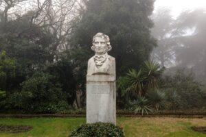 Пам'ятник Христіану Стевену, засновнику Нікітського ботанічного саду